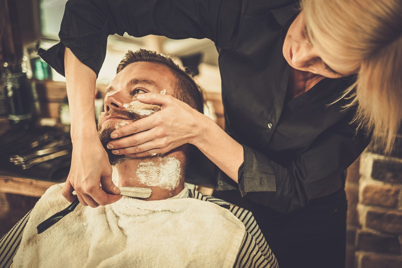 how to cut your own hair with a straight razor
